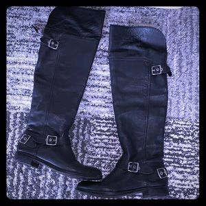 Black leather Guess riding boots